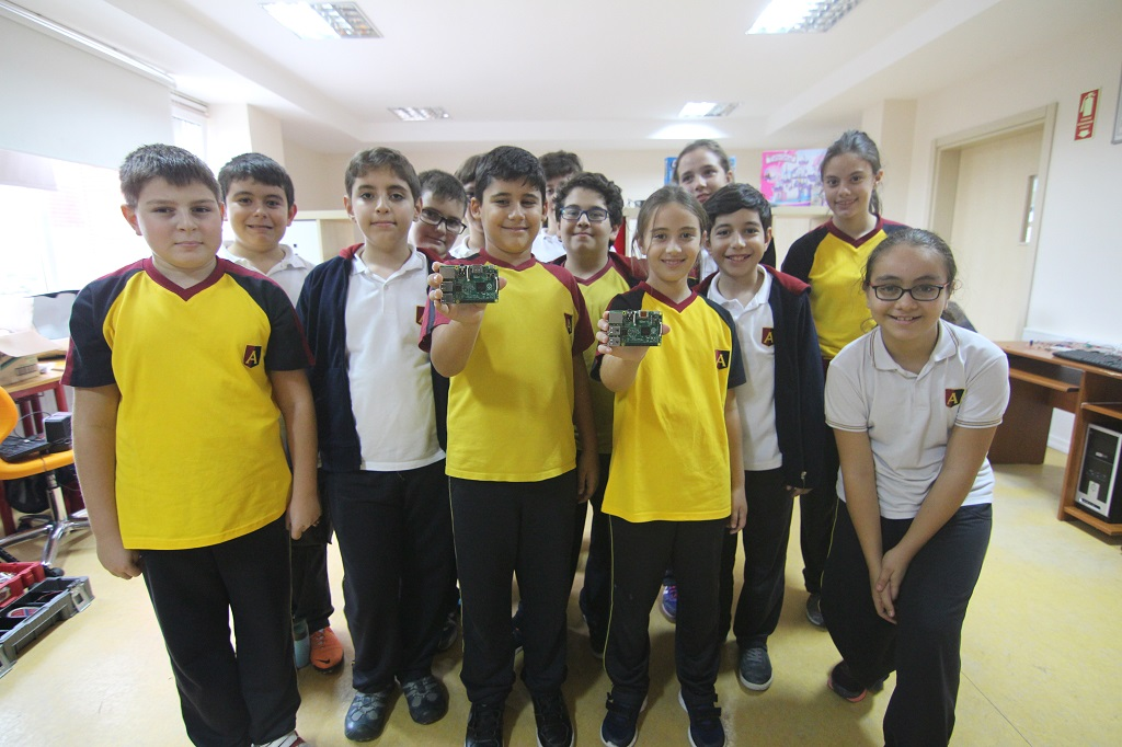 The New Generation of Technology Students Raspberry Pi classes are in Turkey. 3