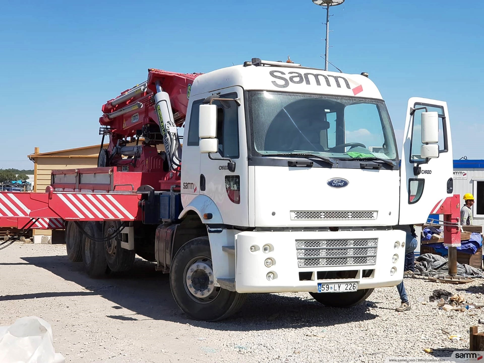 Samm Teknoloji | Particularly, hi-up is included in our vehicle fleet in order to speed up cable pulling and equipment installation durations.