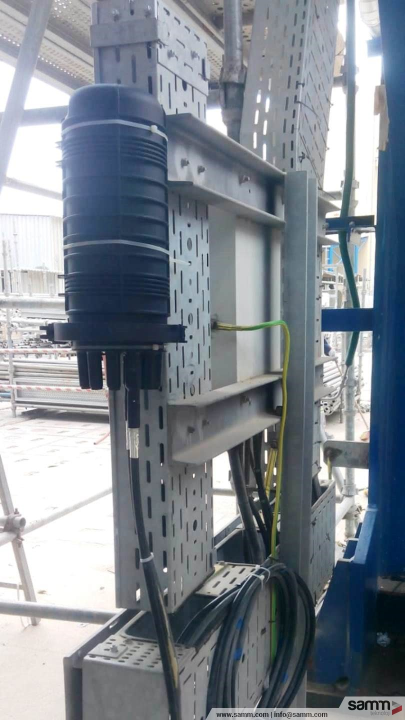 Samm Teknoloji | Fiber optical splice box installation.