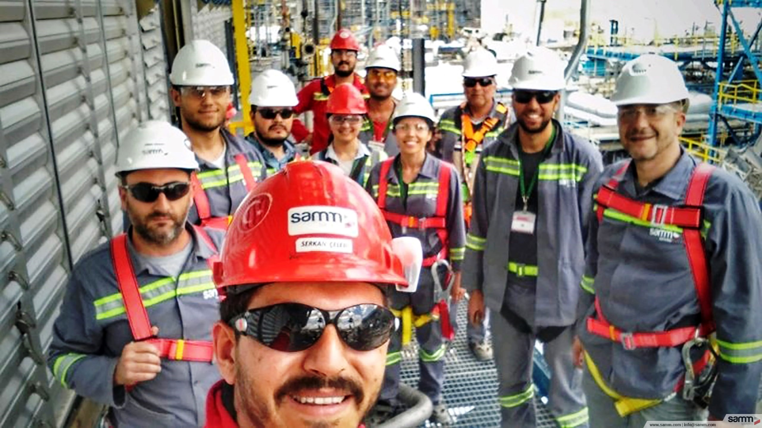 Samm Teknoloji | Weekly HSE walkdown with a construction team.
